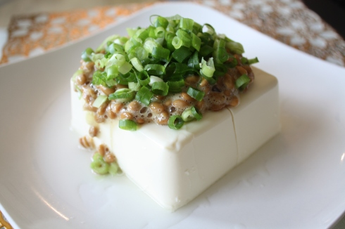 Hiyayakko with natto